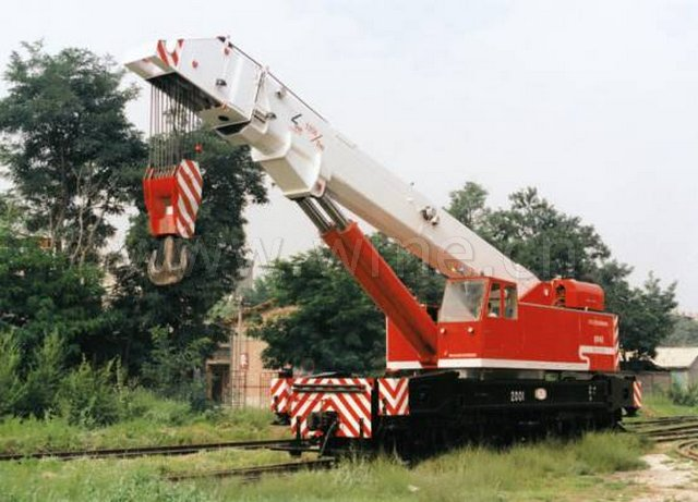 rail crane NS1252.jpg (64KB)